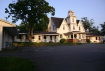 Photo of Lakelawn B&B Motel